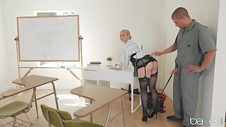 Voucher a long steady old-fashioned Sarah Vandella is ready for hard fuck anent the classroom
